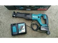 Makita 18v lxt reciprocating saw with battery and charger