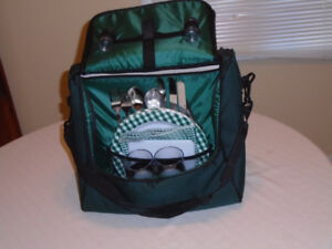 wine and cheese picnic tote