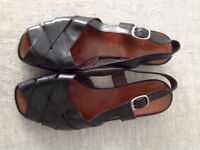 Women's high quality Italian black leather sandals size 37.5 /,4.5