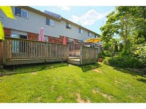Amazing 3 Bedroom Townhouse for Lease in Grimsby with garage