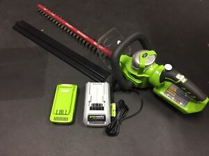 MOVING SALE - Greenworks 24 V Cordless Hedge Trimmer