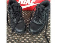 ***FOR SALE NIKE AIR MAX ALL BLACK TRAINERS***