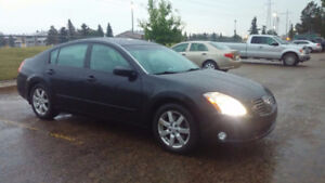 2004 Nissan Maxima  3.5SL - One Owner, low kms