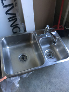 """24"""" Stainless Steel 1.5 sinks with Moen Facet"""