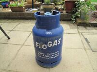 13 kg Butane Flogas gas bottle with regulator.