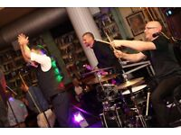 i-PARTY - THE ULTIMATE PARTY BAND & WEDDING BAND TO HIRE