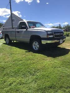 2006 Chevrolet Silverado 4X4 (Reduced price)