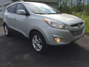 2013 Hyundai Tucson GLS|ALL WHEEL DRIVE|CLOTH LEATHER SEATING|
