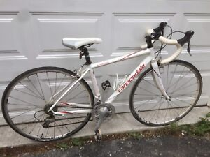 44cm Cannondale road bike