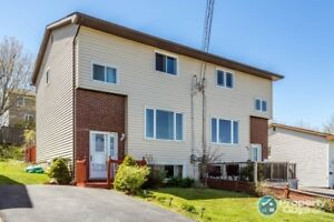PRICED TO SELL!! 2 storey, 3 bed semi fully finished