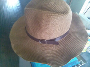 like new:summer straw hat brown, medium, lether belts deco