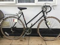 "Vintage sun solo Road Bike. 21"" Frame. 700cc Wheels. Fully working"