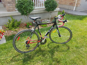 Like New CCM Presto 700C Road Bike