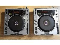 Pioneer CDJ800 Mk2 PAIR. Collection only from RG7 4UY
