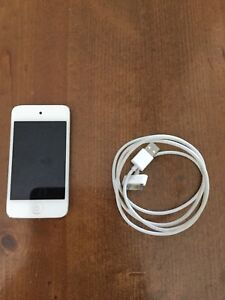 16gb white iPod 4