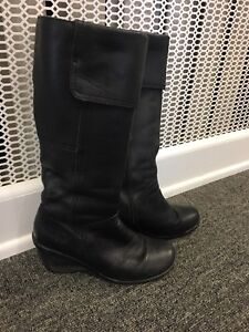 Genuine Leather Waterproof Hush Puppy Boots Size 6