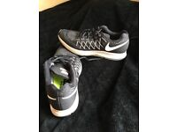 Nike trainers shoes men's size 8.5 UK