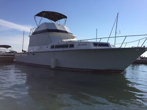 41ft BURNSCRAFT FORSALE or trade!! Cottage on the water