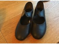 Black leather tap shoes size 2