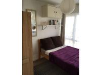 Single room in a female household | SURBITON