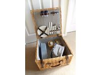 Picnic Hamper with accessories