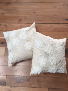 2 Beautiful White/Cream Linen Pillows $30.00 for both