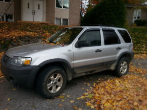 2007 Ford Escape VUS 950$ OBO
