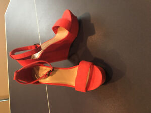 """Call it spring 5.5"""" open toe sandal wedges size 8 - NEW"""
