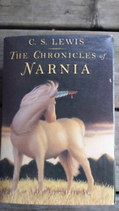 Chronicles of Narnia C. S. Lewis Set of 7 soft cover books Box L