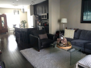 Gorgeous townhouse in Skyview for Rent
