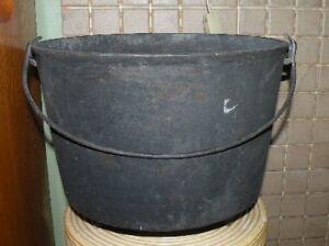 1890s Gurney #9 cast iron pot