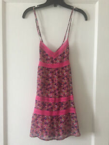 BNWT Abercrombie and Fitch pink floral dress size XS 15$ OBO