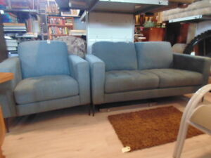 Contemporary Love Seat & Chair(TRAIL)