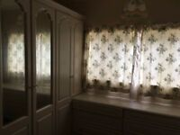 Lovely Room to Let in Englefield Green, 20 mins walk to RHUL