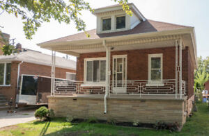 MOVE IN READY BRICK BUNGALOW IN CENTRAL WINDSOR