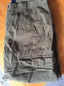 Heavy Duty Combat Pants 3/4 Length, 6 Pockets, Size XL, Olive Green