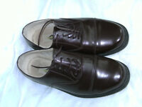 MANS BROWN DRESS SHOES BY MANHATTEN. SZ 9