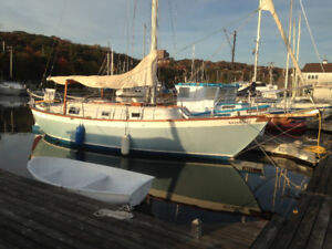 Beautiful classic Southern Cross 31' sailboat for sale