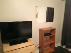 ROOM & BOARD IN FAMILY HOME - ALL INCL EVEN FOOD - SOUTH KEYS