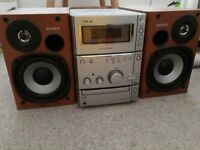 Sony CD, tape and radio stereo system with 2 speakers