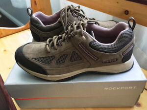 Women's Sport Shoes - Rockport Walkability (Size 8) New in Box