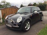 Black Mini Cooper 2002 1.6