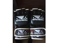 Bad Boy MMA Gloves (L)
