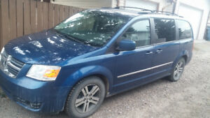 FULLY LOADED 2010 Dodge Grand Caravan 4L SXT VAN