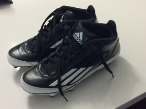 Men's size 9 adidas football cleat