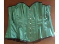Ladies Large Basque in Green