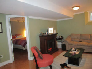 ALL INCLUSIVE 1 Bedroom + Den Keys Apartment September 1st $950