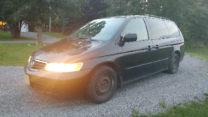 2003 Honda Odyssey EXL full leather and rear DVD