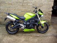 Triumph street triple 675 2011 breaking for spares only