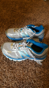 New Balance Running Shoes size 7.5 wide